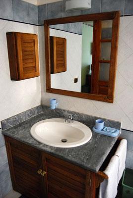 Chalet des Roses .:. Hotel .:. Chalet des roses, hotel, Antananarivo ...